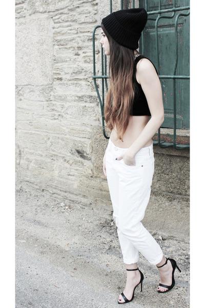white Levis 501 jeans - black Zara sandals