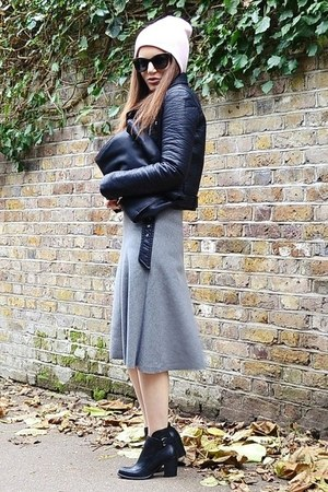 heather gray midi Zara skirt - light pink beanie Topshop hat