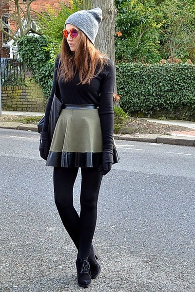 olive green mini Topshop skirt - black suede Topshop boots