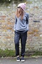 pink beanie Topshop hat - black faux leather Topshop pants