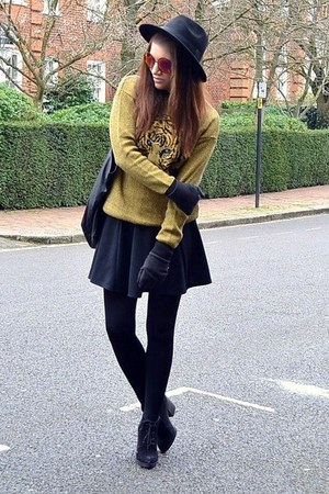 black suede Topshop boots - black fedora H&amp;M hat - black oversized Topshop bag