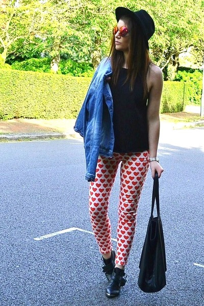 red printed Topshop jeans - sky blue denim Zara jacket