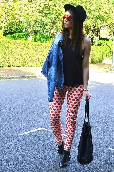 red printed Topshop jeans - sky blue denim Zara jacket