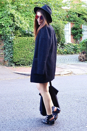 black cocoon Zara coat - black fedora River Island hat