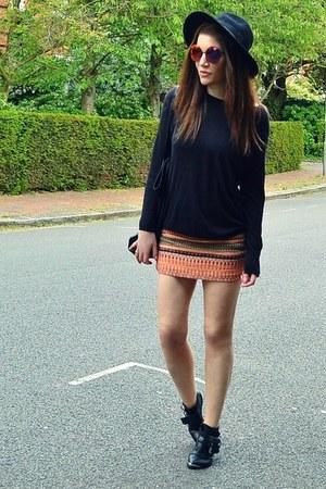 light orange printed Topshop skirt - black leather Office boots