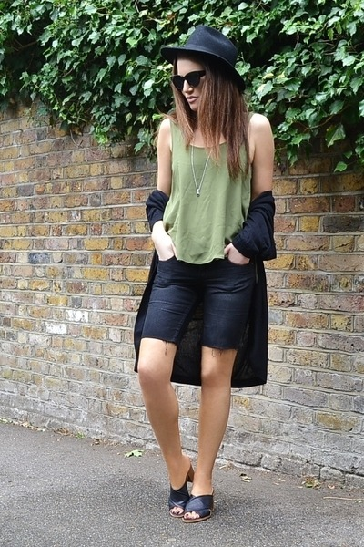 black denim H&M shorts - black cat eye asos sunglasses
