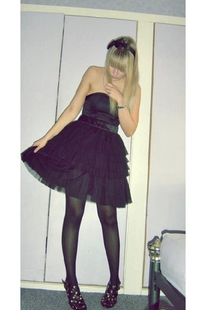 black H&amp;M skirt - black and gold Atmosphere shoes - black H&amp;M dress