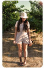 Beige-zara-t-shirt-pink-oysho-beige-vintage-hat-brown-vintage-from-madrid-