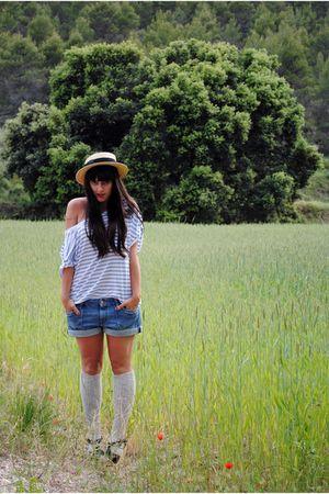 beige Oysho hat - blue Oysho t-shirt - blue H&M shorts - silver Oysho socks - bl