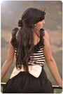 White-oysho-t-shirt-black-primark-skirt-beige-oysho-hat-beige-oysho-access