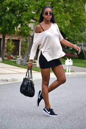 black nike sneakers - Primark skirt