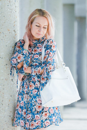 peony print Topshop dress - tote Pinkstix bag - Zara flats