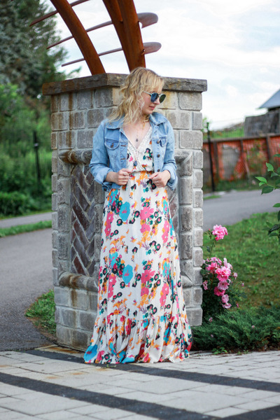 floral print lulus dress - sky blue jean Old Navy jacket