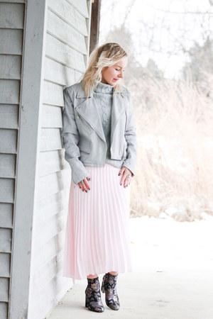 light pink Saks Fifth avenue skirt - black floral print Kenneth Cole boots