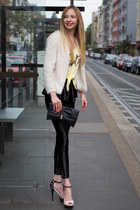 fluffy H&M jacket - cropped print Estradeur shirt - clutch asos bag