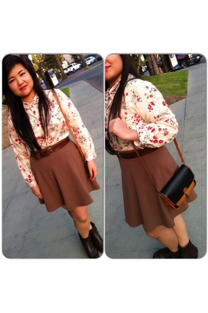 floral cotton blouse - ankle brown naturalizer boots - brownleather purse - belt