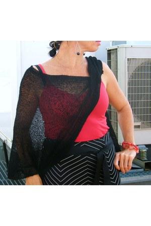 b young skirt - big red Carpisa bag - cape - clogs - red beads bracelet