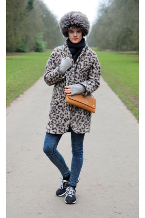 Zara coat - acne bag - New Balance sneakers