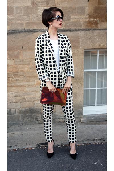 Topshop blazer - Chanel sunglasses - Zara heels