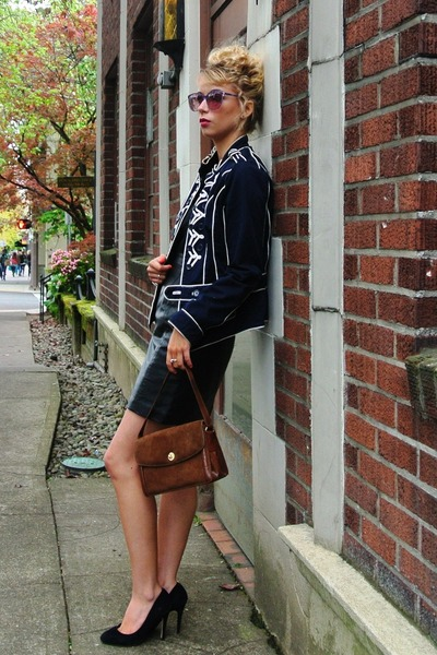 thrifted vintage jacket - vintage bag - vintage sunglasses - Aldo heels