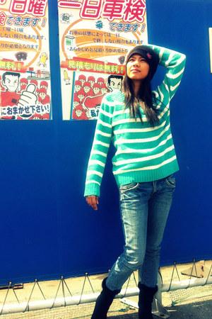 skinny jeans Levis jeans - winter bonet Uniqlo hat - Terranova sweater