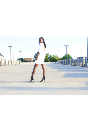 white lightinthebox dress - black riverisland heels