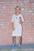 blue Stradivarius heels - beige Zara sweater - Accessorize bag