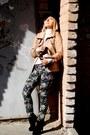 Black-zara-boots-puce-stradivarius-jeans-tan-zara-jacket