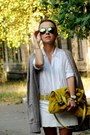 White-oggi-shirt-mustard-zara-bag-olive-green-topshop-sunglasses
