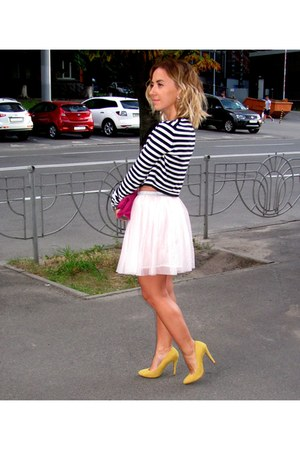 light pink Zara skirt - hot pink Zara bag - off white Zara t-shirt