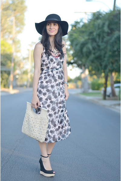 black Zara wedges - light pink Made Fashion Week dress - off white vintage bag