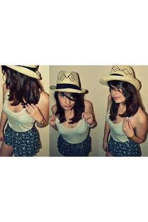 vintage hat - Primark shorts - H&M t-shirt