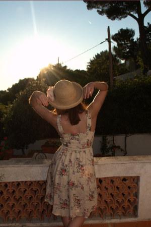 Dahlia dress - vintage hat