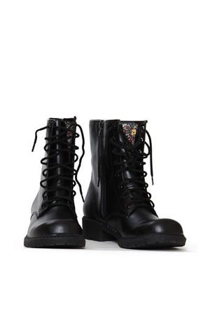 threadsence boots