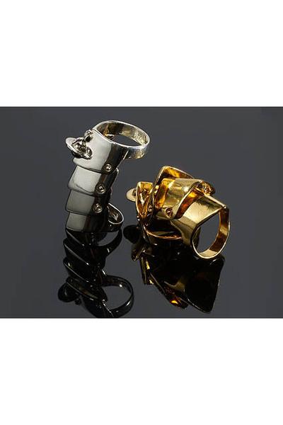 http://images2.chictopia.com/photos/IRATIKAFFAIRS/3591355302/vivienne-westwood-accessories_400.jpg
