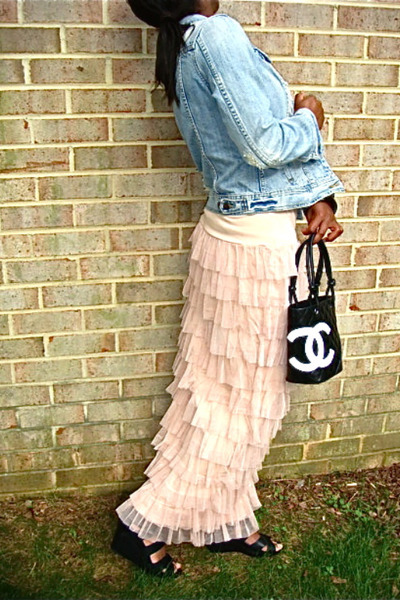 ruffled skirt - denim jacket - chanel bag - black leather wedges