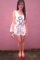 white cropped next top - white messenger Parisian bag - light pink floral shorts