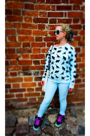 light blue H&M sweatshirt - aquamarine Sinsay sunglasses