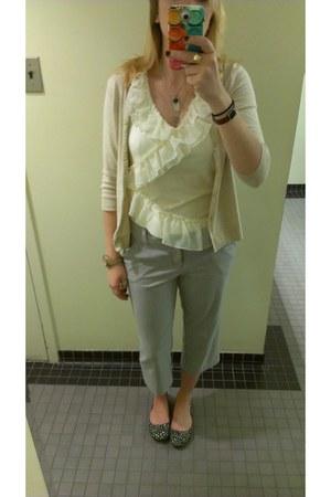 ruffles elle shirt - gray capris Daisy Fuentes pants - Aldo flats