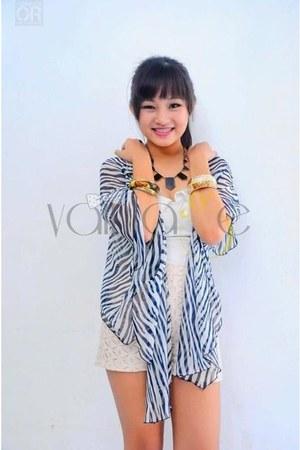 Vaintage blazer - cream Vaintage shorts - ivory Vaintage top