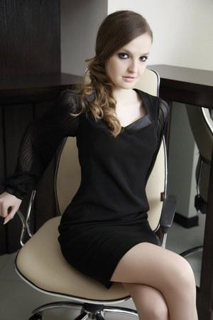 black dress I&W dress