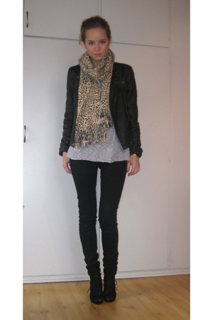 Primark jacket - Cubus scarf - H&M sweater - Only pants - Din Sko shoes