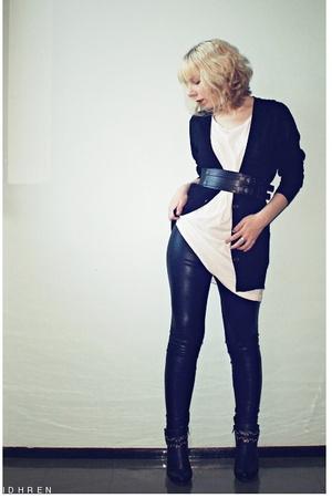 Ida Sjstedt pants - Filippa K blouse - GINA TRICOT t-shirt - GINA TRICOT belt