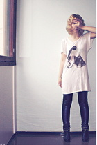Monki t-shirt - Ida Sjstedt pants - Global Essentials shoes