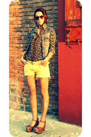jean basic blue old vest - vintage shirt - innocenti for sandra de lio shorts