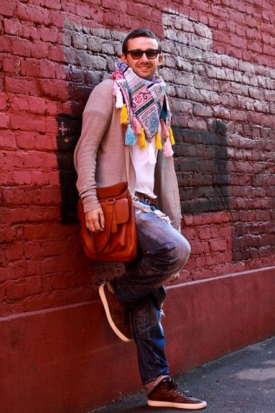 sky blue no brand scarf - navy G-Star jeans - burnt orange Sandal Shop bag