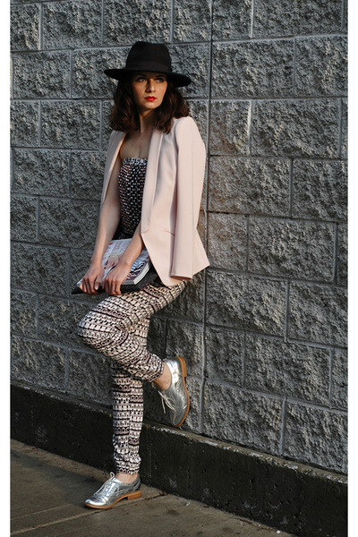 neutral tuxedo H&M blazer