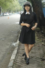 Balck-shoes-black-dress-spike-hat