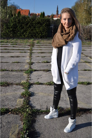 white H&M sweater - camel H&M scarf - white Yups sneakers