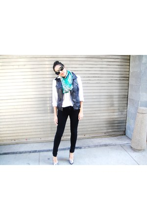 button down Gap shirt - Annu Gyani scarf - vintage Chloe sunglasses - Forever 21